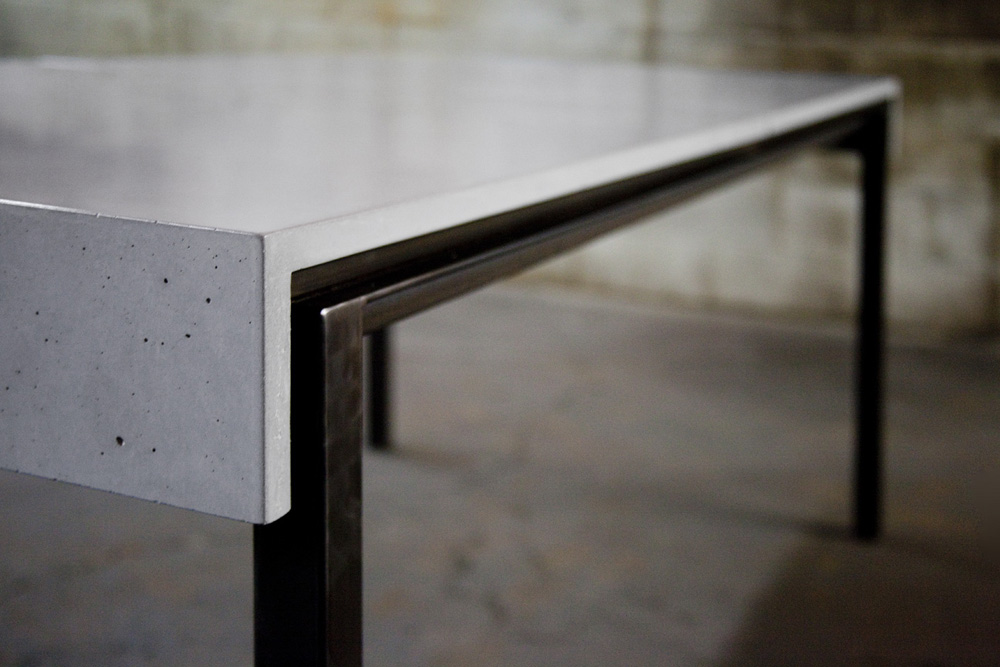 c3studio par mario painchaud-table salle a diner-mobilier sur mesure-table beton-table acier